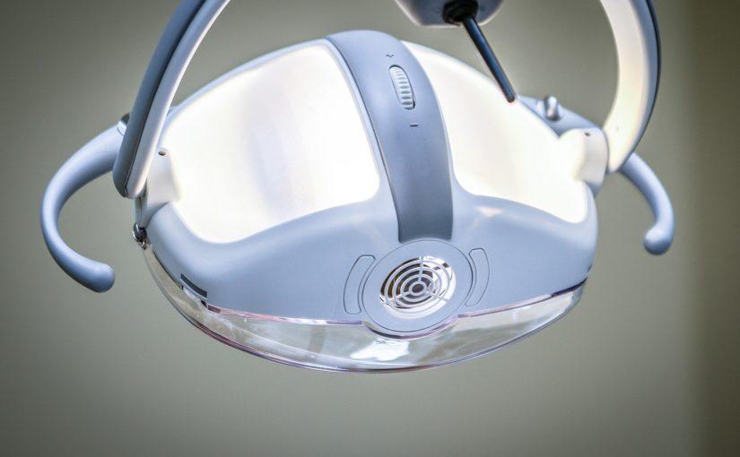 Mocne i zdrowe zęby bez próchnicy – zadbaj o nie już teraz. Próchnica i ból zębów – leczenie i profilaktyka